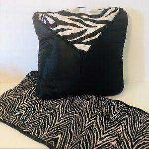 Zebra Room Decor Set